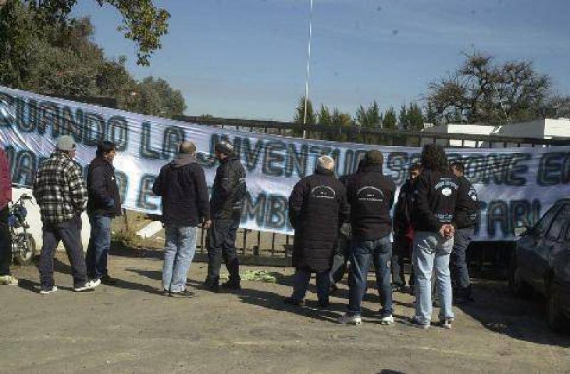 Curtarsa: trabajadores tomaron la planta con apoyo del sindicato