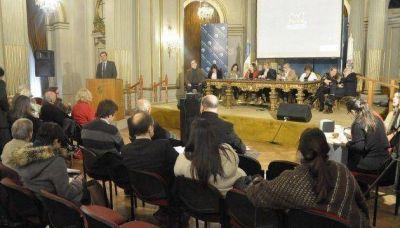 La legislatura, en defensa del monumento a Colón