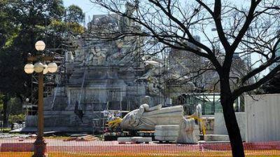 Monumento a Colón: fuerte rechazo a que lo lleven a Mar del Plata