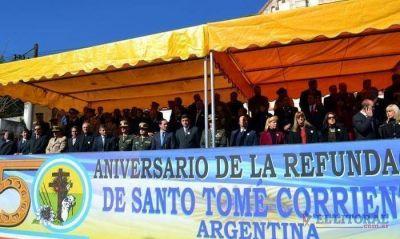 Con un colorido desfile los santotomeños recordaron la refundación de la localidad