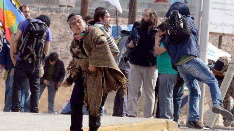 Un manifestante recibi� una herida de bala durante la represi�n en Neuqu�n