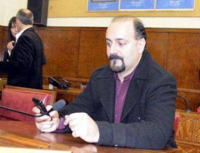 Fabián Giovanniello fué duro con la Presidente e Insauralde