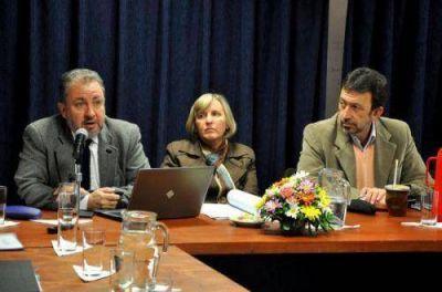 Ministerios de Gobierno, Turismo y el IPS analizaron con los diputados sus presupuestos para el 2014