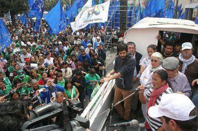 Jujuy: multitudinario repudio a la represión policial de estatales