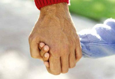 Publicaron la nueva ley de adopción bonaerense