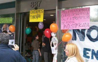 Al menos 65 despidos en un call center de Córdoba