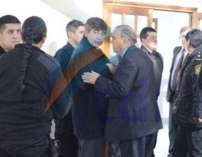 Familiares de algunos de los condenados insultaron al ex ministro Sosa