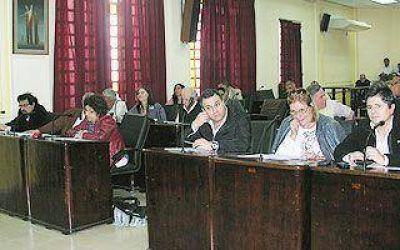 Lanús: El massismo volvió a acompañar al FpV en un llamado a licitación