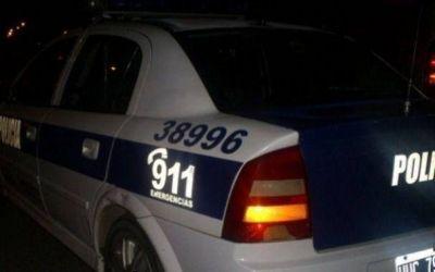 Los detienen después que pararon a cargar nafta en un auto robado.