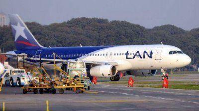 Aerolíneas tuvo que pedirle ayuda a LAN para cumplir con sus vuelos de cabotaje