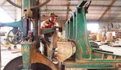 Ratifican acuerdo por el que carpinterías provean su producción a obras publicas