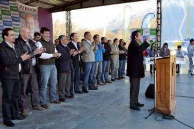 Quedaron inaugurados los Juegos Provinciales Evita 2013
