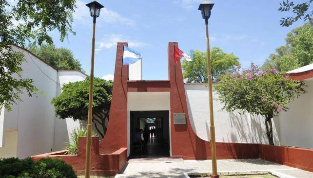 Autorizan a travesti a ser alojada en cárcel de mujeres