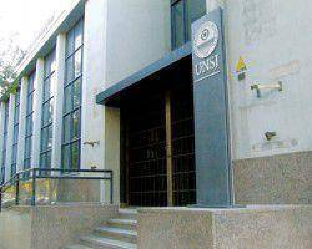 Los gremios y la UNSJ no logran acercar posiciones por las titularizaciones
