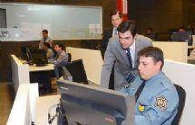 """Juan Manuel Urtubey: """"Pusimos en funcionamiento un sistema que cambia el paradigma de la actuaci�n de las fuerzas de seguridad"""""""