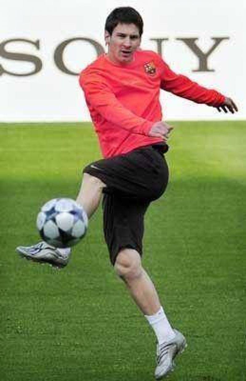 Messi, un tir�n de orejas entre los preparativos