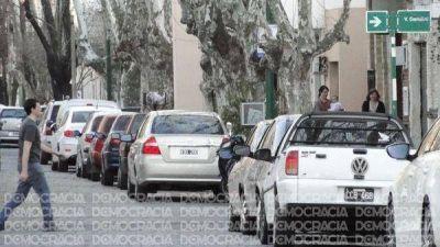 """En el Municipio dicen que """"no está en los planes"""" subir el estacionamiento medido"""
