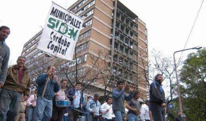 Suoem pelea por contratados y paraliza hoy atención municipal