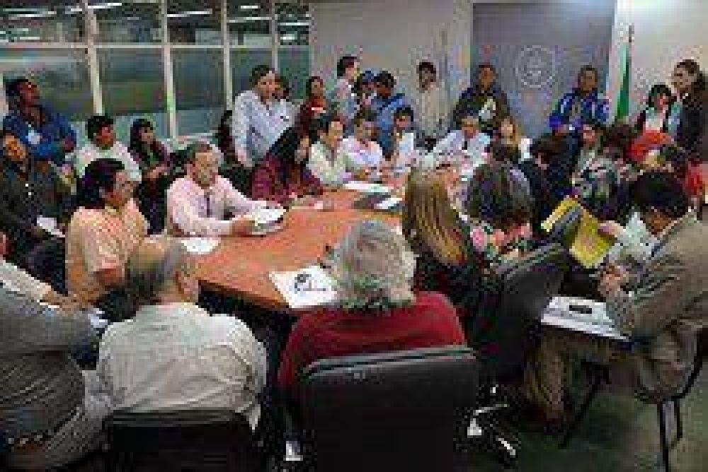 Debate de la Ley de Educación Indígena con las comunidades originarias y los gremios