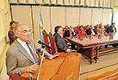 Prometen la reglamentaci�n del cierre dominical