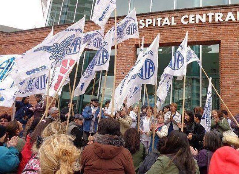 Asamblea de trabajadores de ATE en el Hospital Central de San Isidro