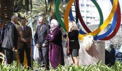 Macri inauguró la escultura Energía Olímpica