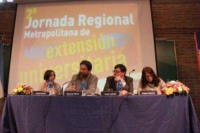 UNDAV: Calzoni participó de la 2º Jornada Regional Metropolitana de Extensión Universitaria en la UNGS