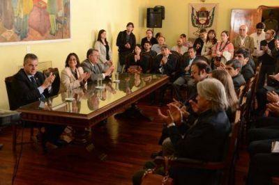La gobernadora firmó convenio con el INTI para generar asistencia en tecnologías industriales