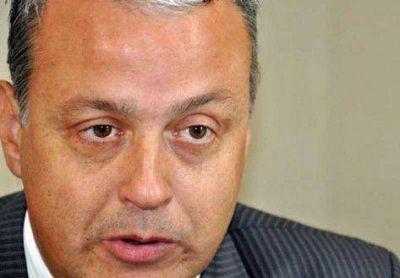 Patricio Fay: Azil agredió e insultó a la abogada municipal