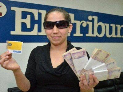 Jésica es la feliz ganadora de los 45 mil pesos