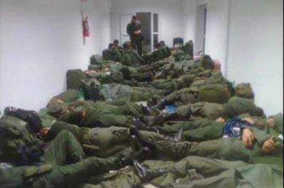 """Gendarmería desmintió la foto publicada en el diario """"Muy"""" del Grupo Clarín"""