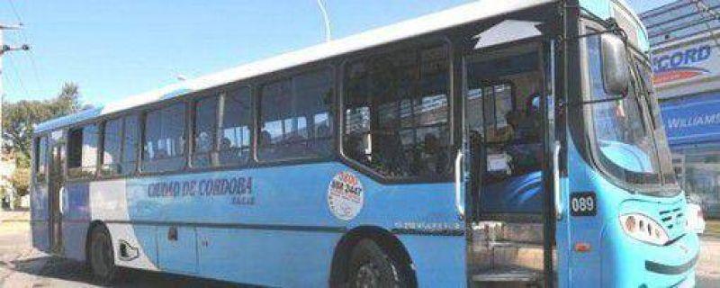 Choferes de Ciudad de Córdoba reclamaron por más unidades