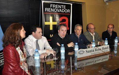 """De Mendiguren elogió el """"diálogo social"""" del Frente Renovador"""