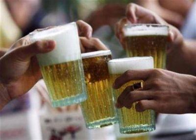 Tras renuncia de Zavaley COMUNA pide que traten proyecto de consumo de alcohol