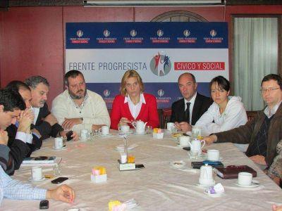 Reunión de referentes del Frente Progresista  Cívico y Social de Mar del Plata-Batán.