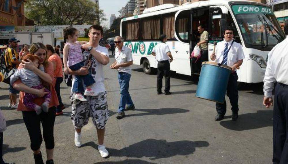 Interurbanos: sigue el paro de los choferes de Aoita
