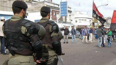 Apoyos y rechazos a la llegada de los gendarmes