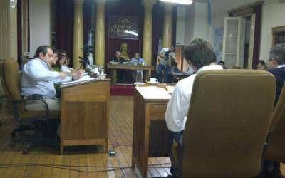 Azul: HCD aprobó conformación de comisión investigadora contra el Intendente Inza