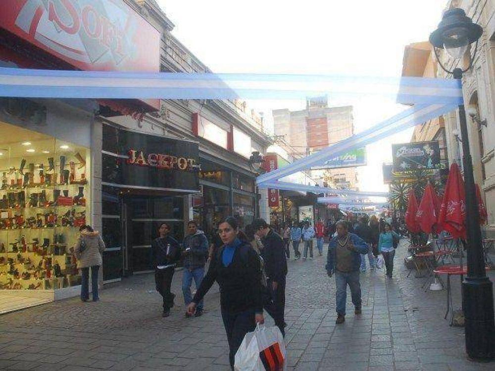 Resurge debate por cierre dominical de comercios