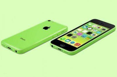 Apple presentó una línea económica de su smartphone y lanzó el nuevo iPhone 5S