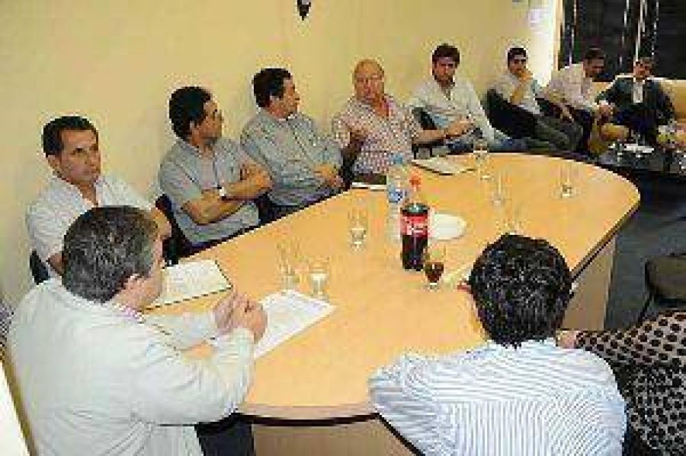 Gremios y patronal firmaron acta en la Secretaría del Trabajo por el Día del Empleado de Comercio