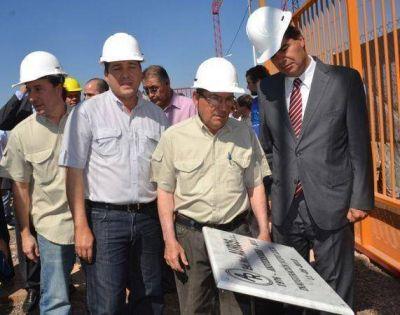 Con la inauguraci�n de Auros se potencia el parque industrial