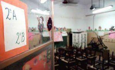 Docentes de Junín reclaman la urgente regularización en el pago de los salarios