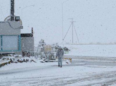 Intensa nevada en localidades del norte de Santa Cruz