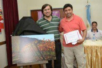 """Fotógrafos locales, premiados por sus obras de """"Miradas del Vino"""""""