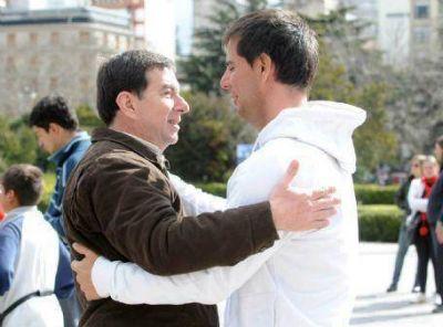 """Castillo visitó Berisso: """"La única fuerza que enfrenta a la derecha es el FIT y no ese falso progresismo kirchnerista"""""""