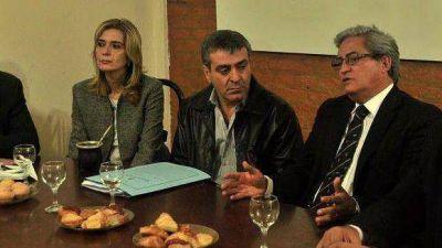 La candidatura de Cano suma apoyos en toda la oposición