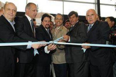 Scioli se apoya en el PJ, con guiños a intendentes y gobernadores