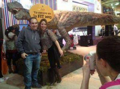 San Juan en la Rural: La foto con el dino es furor en la Feria Internacional de Turismo
