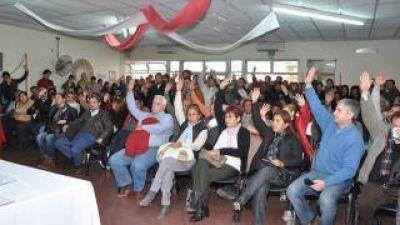 Radicales proclamaron a Ricardo Guzmán como cabeza de lista para concejales de la Capital